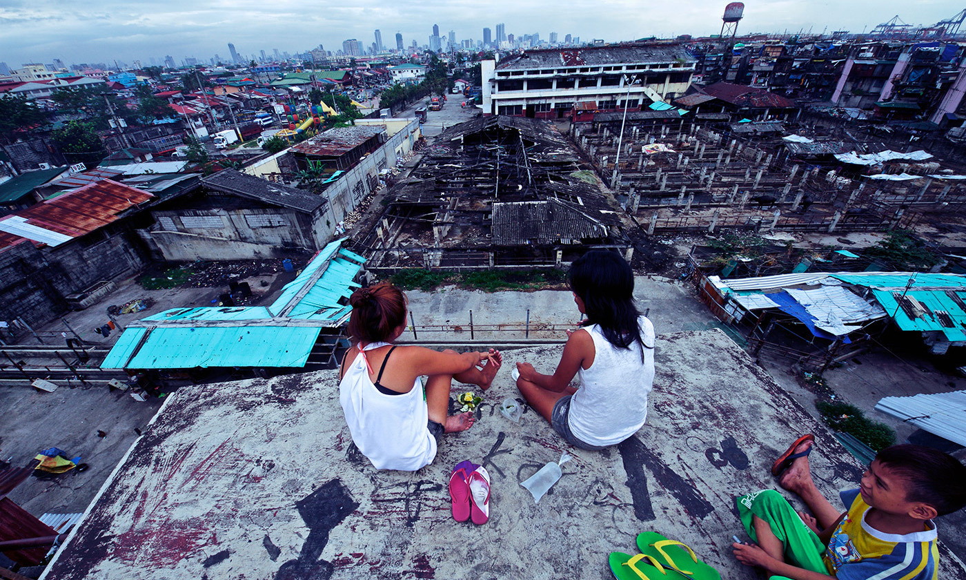 Relaxing on a Manila rooftop. <em>Photo by John Christian Fjellestad/Flickr</em>