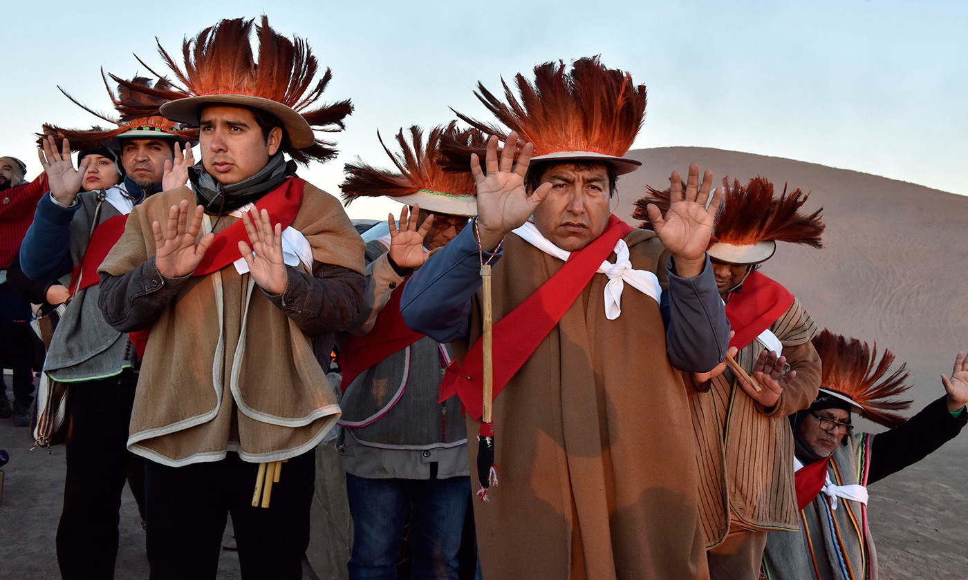 <p>With the appearance of the first rays of the sun from Cerro Huantajaya in Alto Hospicio, northern Chile, people celebrate the arrival of the Aymara New Year, <em>Machaq Mara</em>, and the arrival of new energies. <em>Photo courtesy Gobierno Regional de Tarapacá/Flickr</em></p>
